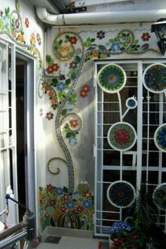 This is gorgeous - now just to find the time to do one of my own :) Outdoor Mosaic