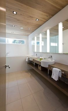 деревянный потолок в ванной