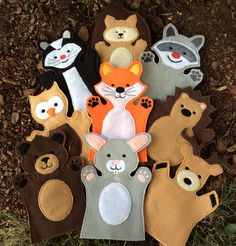 You are looking at a full woodland hand puppet set - available in two sizes This is a set of 9 puppets - a bear bunny deer fox hedgehog Felt Puppets, Glove Puppets, Puppets For Kids, Felt Finger Puppets, Animal Hand Puppets, Puppet Patterns, Puppet Making, Woodland Animals, Felt Animals