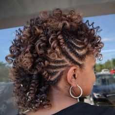 Mohawk Updo With Side Twists - March 02 2019 at Natural Hair Mohawk, Mohawk Updo, Braided Mohawk Hairstyles, Protective Hairstyles For Natural Hair, My Hairstyle, Twist Hairstyles, Braided Mohawk Black Hair, African Hairstyles, Wedding Hairstyles