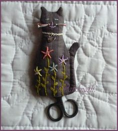 J'aime les chats! (I think I could figure out how to make this scissor cover)