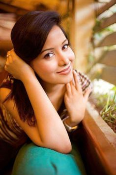 Preetika Rao Tellywood Star - Preetika Rao Rare and Unseen Images, Pictures, Photos & Hot HD Wallpapers Unseen Images, Cinema Actress, Just Beauty, Feminine Style, Feminine Fashion, Beauty Quotes, Celebs, Celebrities, Aaliyah