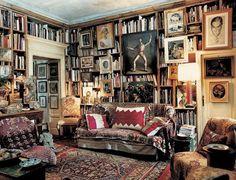 Räume und ihre Bücher Bookcases, Maximalism, Bibliophile, Milan Apartment, Paris Apartments, Eclectic Decor, Eclectic Design, Personal Library, Interior Painting