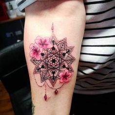 50 of the Most Beautiful Mandala Tattoo Designs for Your Body & Soul - KickAss Things Mandala Tattoo Design, Tatuaje Mandala Floral, Mandala Flower Tattoos, Tattoo Designs, Henna Designs, Little Tattoos, Cute Tattoos, Body Art Tattoos, New Tattoos