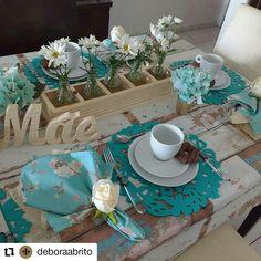 ❤...uma graça. Shabby Chic Porch, Table Manners, Dinner Themes, Beautiful Table Settings, Table Arrangements, Deco Table, Decoration Table, Creative Decor, Dinner Table