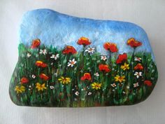 corn poppy -  stone painting Seashell Painting, Pebble Painting, Pebble Art, Stone Painting, Rock Flowers, Simple Flowers, Wild Flowers, River Rock Landscaping, Landscaping With Rocks