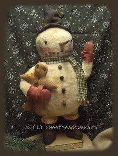 Primitive Epattern Fat Round head and body Snowman doll and ginger, heart and bear + FREE pattern.