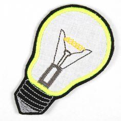 Licht? Glübi! Flicken Lampe - leuchtet unter Schwarzlicht!!! http://flickli.de