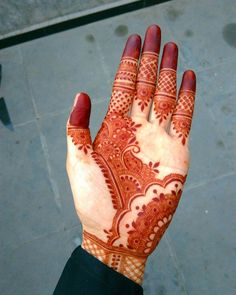 Detailed henna designs for hand by @hayats_henna