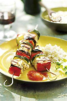 cenas sanas brochetas pavo verduras. Brochetas pavo verduras My Recipes, Vegan Recipes, Snack Recipes, Cooking Recipes, Healthy Recepies, Healthy Snacks, Deli Food, Tasty, Yummy Food