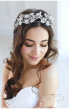 Wedding Hair Accessories EUNIKE Flower Leaf Bridal Tiara Crown For Wedding With Crystals by TopGracia Silver Tiara, Silver Headband, Bridal Crown, Bridal Tiara, Headpiece Wedding, Bridal Headpieces, Crown Headband, Hair Wedding, Wedding Earrings
