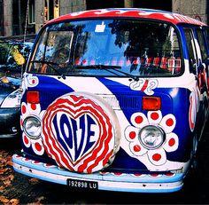 Surfing Dudes, Hippies, Dubs and Bugs Beetles Volkswagen, Auto Volkswagen, Vw T1, Volkswagen Transporter, Volkswagen Minibus, Hippie Love, Hippie Chick, Hippie Art, Kombi Hippie