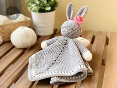 Crochet lovey pattern - Po The Playful Penguin security blanket - amigurumi Pattern, penguin pattern, crochet penguin, DIY - PATTERN Crochet Lovey, Crochet Bunny Pattern, Crochet Bebe, Baby Blanket Crochet, Easy Crochet, Crochet Toys, Crochet Patterns, Amigurumi Patterns, Crochet Ideas