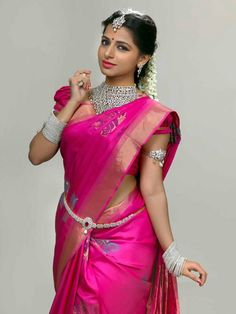 Everything You Need To Know About Your Gorgeous Wedding Makeup Beauty Full Girl, Beauty Women, South Indian Actress Photo, Elegant Saree, Saree Look, South Indian Bride, Most Beautiful Indian Actress, Saree Dress, Indian Beauty Saree