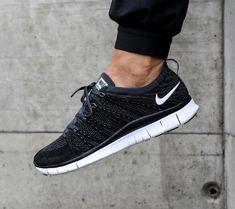 Nike Free Flyknit NSW: Black