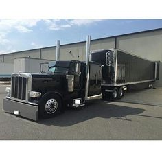 Peterbilt custom 389EX with matchin reefer