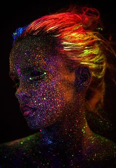 Ultraviolet portraits. Model: Natalia Szura. Photography: Mateusz Wykurz. Makeup: Kasia Zielinska. Images: krkstudio.pl