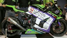 GB moto Kawasaki ZX-10R having swapped from Honda machinery. With Honda Britain withdrawing from the series, it looks like a bad year for Hondas
