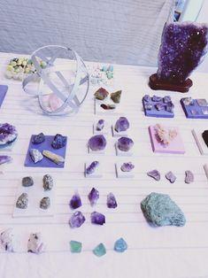 il.mondo dei minerali ...in colori, forme e tanta energia Convenience Store, Shape, Convinience Store