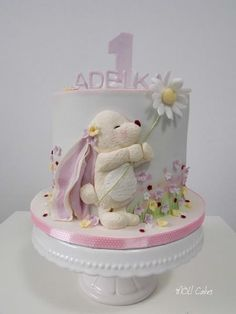 One  by MOLI Cakes