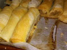 Strudel cu mere din aluat de casa - The Country Cook Easy Recipes Sweet Cooking, Cooking Time, Strudel, Vegan Desserts, Just Desserts, Sweets Recipes, Cooking Recipes, Easy Recipes, Good Food