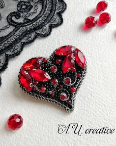 VK is the largest European social network with more than 100 million active users. Bead Embroidery Jewelry, Fabric Jewelry, Beaded Embroidery, Beaded Crafts, Wire Crafts, Bead Jewellery, Beaded Jewelry, Brooches Handmade, Handmade Jewelry