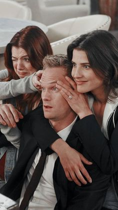Collect badges and rewards from your favorite brands, teams or idols. How I Met Your Mother, Ted And Robin, Barney And Robin, Ted Mosby, Series Movies, Tv Series, Neil Patrick, Robin Scherbatsky, Cinema Tv