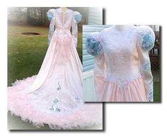 Sleeping Beauty dress    http://4.bp.blogspot.com/_YrDagJIE0VY/TAsNpvrU4jI/AAAAAAAAAag/ACeVV97Aoxc/s400/pinkweddingdress.jpg