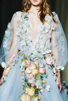 Marchesa Spring 2015 Ready-to-Wear Repinned by www.lecastingparisien.com