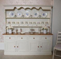 dresser www.fifichic.co.uk