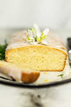 This vegan lemon drizzle cake is an egg-free and dairy-free take on this classic cake. It& light yet moist at the same and a breeze to make - it can be made in a single bowl. It makes for a perfect afternoon tea companion. Vegan Treats, Vegan Desserts, Vegan Dishes, Vegan Lemon Drizzle Cake, Vegan Lemon Pound Cake Recipe, Dairy Free Lemon Cake, Scones Vegan, Vegan Muffins, Almond Recipes