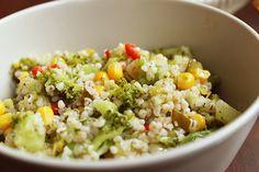 Sałatka brokułowa z kaszą jęczmienną