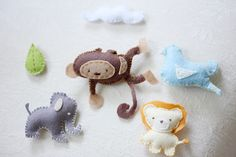 DIY felt mobile animals. Only different colored horses.