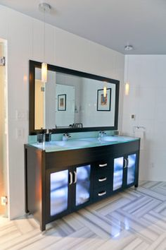 Is that LED lighting inside the vanity? That's kind of awesome... Stanton Master Suite by Jonathan Stanton, Inc #OmegaVanityMakeover