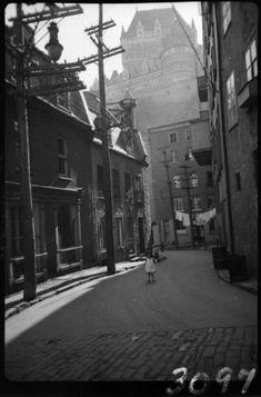 Québec en photos 1930-1937 – Patrimoine, Histoire et Multimédia Old Quebec, Quebec City, Canada, Old Pictures, Old Photos, Vintage Photographs, Vintage Photos, Chute Montmorency, Chateau Frontenac