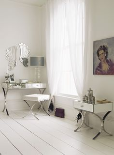 Decorate your home the white way Soft white walls in dulux white mist Mirrored Bedroom Furniture, Bedroom Decor, Girls Bedroom, Bedroom Ideas, Living Room Paint, New Living Room, White Rooms, White Walls, Dulux White Mist