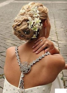 wedding photo - Elegant Wedding Bridal Wavy Updo with Flowers for Long Hair Gorgeous ♥ Open Back Wedding Dress Wedding Hair And Makeup, Wedding Updo, Elegant Wedding, Hair Makeup, Bridal Updo, Wedding Bride, Wedding Ideas, Bride Makeup, Prom Ideas