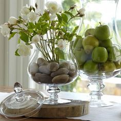 Love the larger rocks used to hold stems in place, makes it much easier to clean than pebbles.