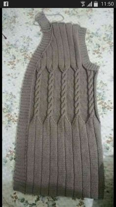 This Pin was discovered by HUZ Knitting Designs, Knitting Projects, Knitting Patterns, Crochet Patterns, Cable Knitting, Sweater Design, Knit Jacket, Baby Sweaters, Crochet Clothes