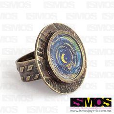 ISMOS Joyería: Anillo de bronce con la foto de un grafiti encapsulada en resina // ISMOS Jewelry: Bronce ring with a picture of a graffiti encapsulated in resin