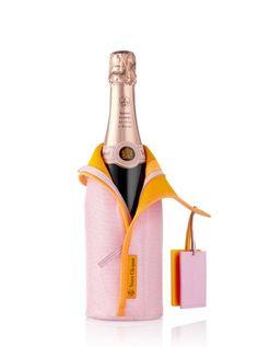 Champagne Veuve Clicquot Rose Ice Dress 750 ml Wedding Champagne, Design Da Garrafa, Veuve Cliquot, Louis Vuitton Online, Ice Dresses, Wine Packaging, Louis Vuitton Accessories, Bottle Design, Sodas
