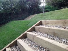 Lawn with Sleeper steps and gravel #landscaping