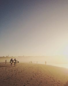 Sunrise @ Bondi #bondisunrise #bondi #bondibeach #sydney #ilovesydney #sun #sunlight #sunset #sydneylocal #instasydney #beauty #sydneybeaches #ocean #sea #surf  #sydney_insta ##lights #fog #photooftheday #photography #sky #ソラ #海 #朝日 #ボンダイ by kumijono http://ift.tt/1KBxVYg
