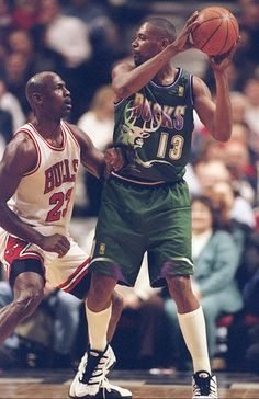 Glenn Robinson Milwaukee Bucks Michael Jordan Chicago Bulls
