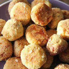 "Garlic and Pesto ""Dough"" Balls (Gluten Free and Low Carb) | Divalicious Recipes"