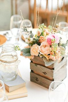 Wooden box centerpieces are perfect for a rustic wedding  #Rustic #RusticWedding #RusticEvents  http://www.ecopartytime.com/