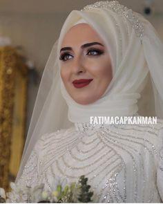 Tried this Pin? Hijabi Wedding, Muslimah Wedding Dress, Hijab Style Dress, Disney Wedding Dresses, Pakistani Wedding Dresses, Bridal Dresses, Wedding Gowns, Bridesmaid Dresses, Hijab Chic