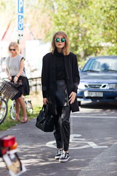 Street Style - Total Look Black - Layers | StockholmStreetStyle