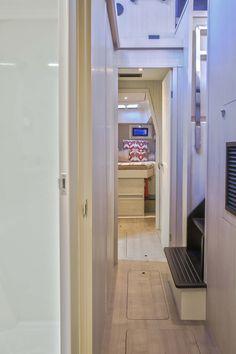 Leopard 48 owner cabin