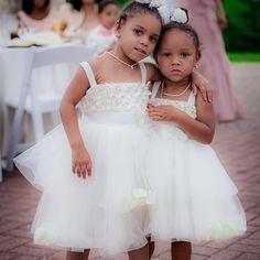 #weddingwednesday Flowergirls, cousins, best friends! Kenzi and Kerri are the cutest flower girls ever with an unbreakable bond. #jayneheirweddings #bestfriends #flowergirls #oxonhillmanor #naturalbabies #youngheiresses ; Johnny West (Arts Group, Inc)